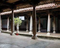 Multiple pillar houses kambada mane at Belakavadi village