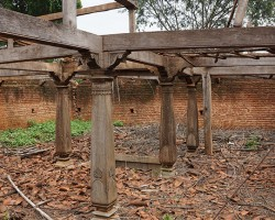 Ruined temple structure at Belakavadi near Gaganachukki waterfalls